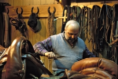 Lavori tradizionali:il sellaio