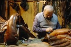 sellaio-lavoro-tradizioni-menconi-cavallo-00060-1